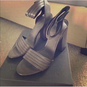 Vince gray leather heeled sandal
